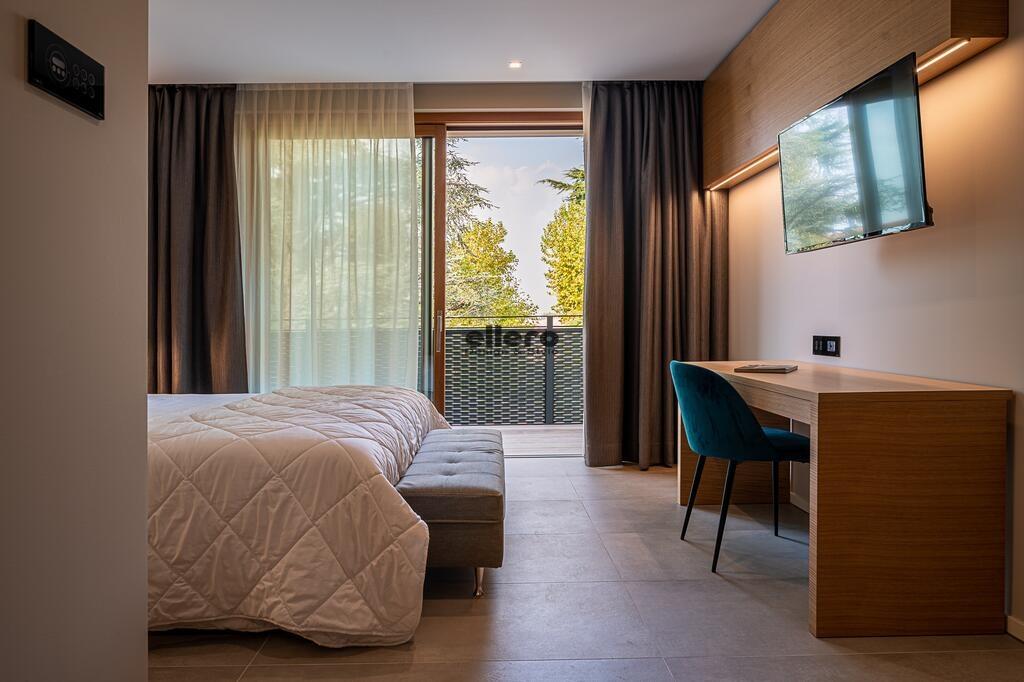 Hotel_Nodo_sedia_alvin